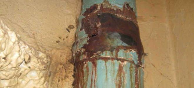 Кто виноват, если прорвало стояк в квартире: ответственность и последствия?