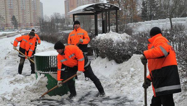 уборка территории зимой