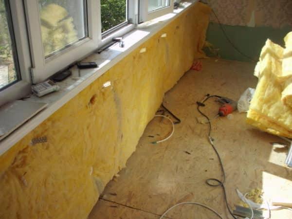 Как утеплить балкон изнутри своими руками в панельном доме?